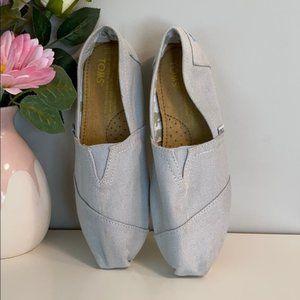Light Gray Toms
